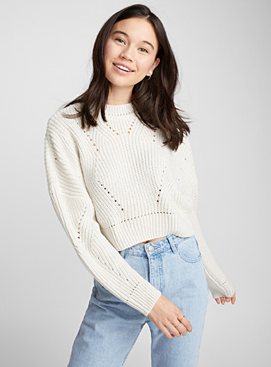 Le pull court tricot pointelle