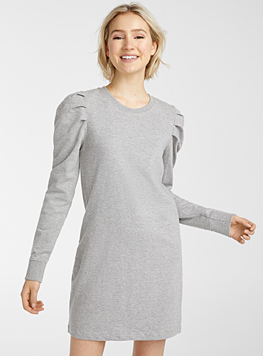 Puff-sleeve dress