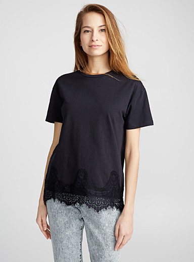 Le tee-shirt vague dentelle