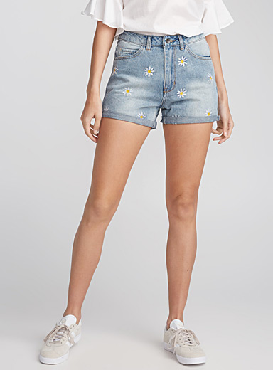 Daisy embroidered denim short