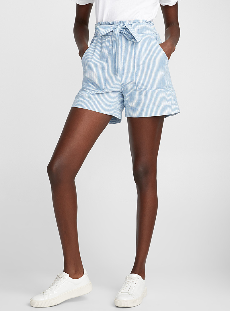 le-short-rayures-blanches