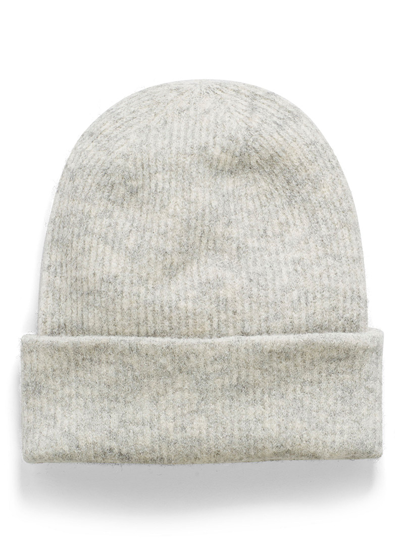 soft-ribbed-tuque