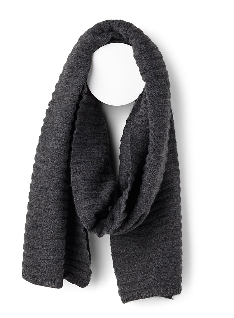 textured-knit-scarf