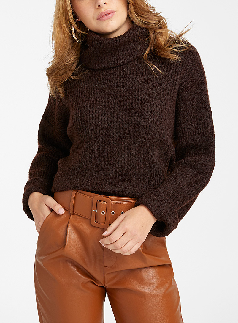 Vero Moda Medium Brown Loose ribbed turtleneck sweater for women