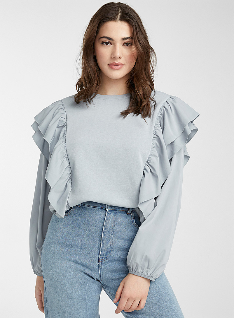 Vero Moda Baby Blue Vertical ruffle sweatshirt for women