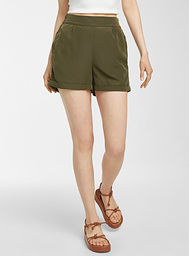 High-rise satiny short