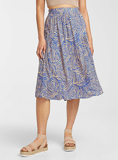 Eco-friendly viscose abstract lines skirt