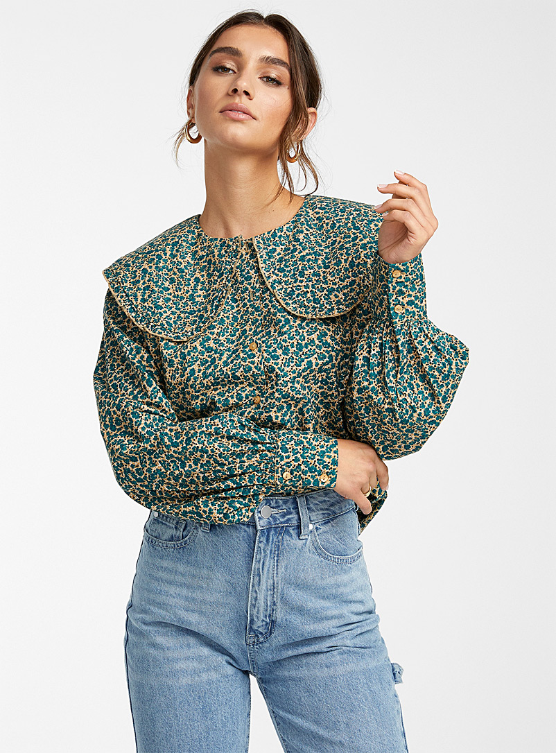 Vero Moda Patterned Blue Peter Pan collar floral blouse for women