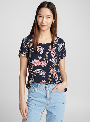 Open-back printed blouse
