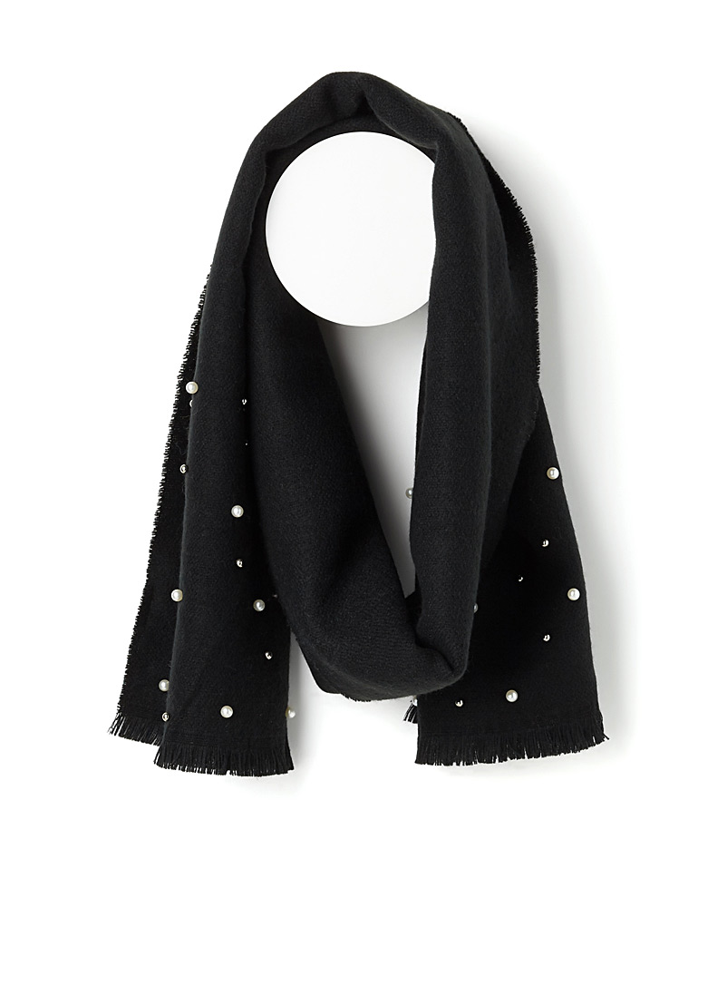 pearly-accent-scarf