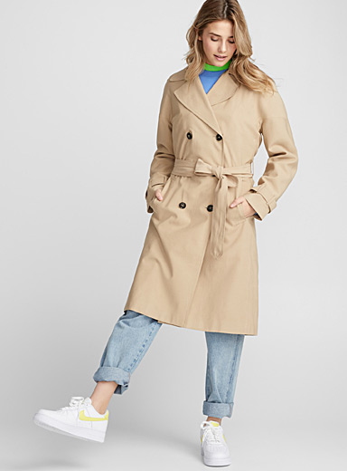 Contrast button trench