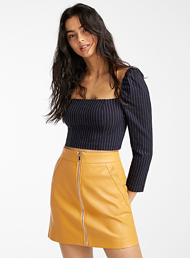 Accent zip faux-leather skirt