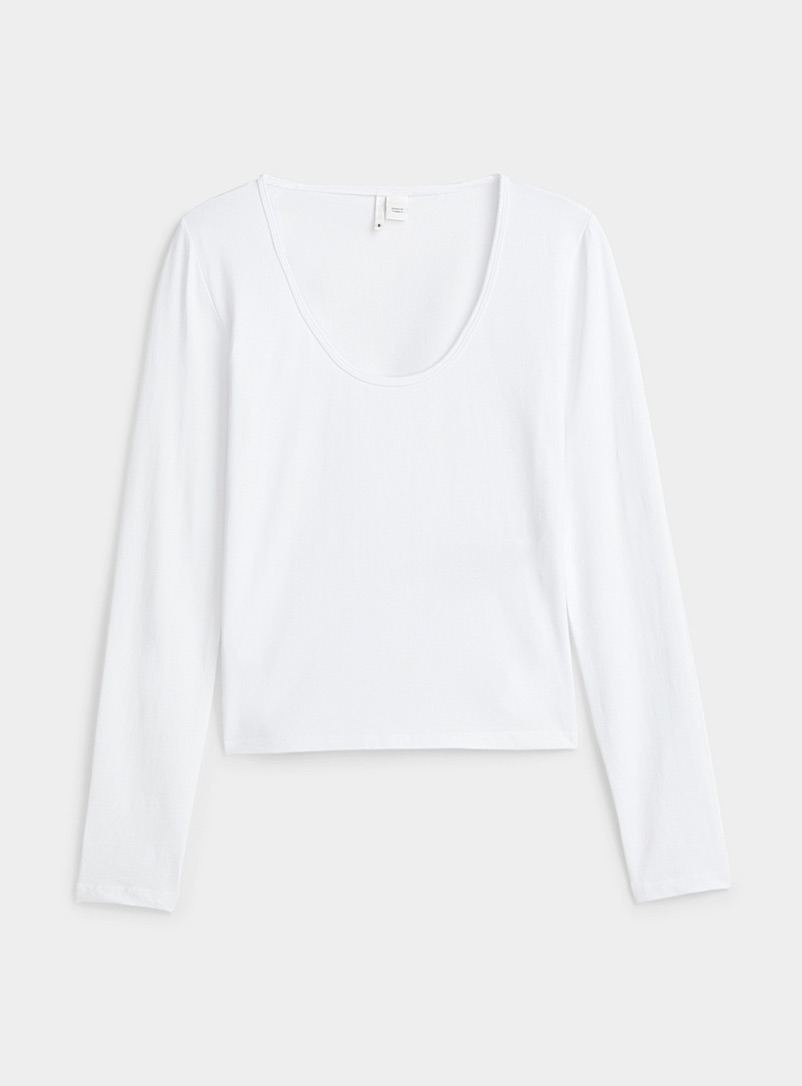 Only White Crew neck fitted cropped tee for women