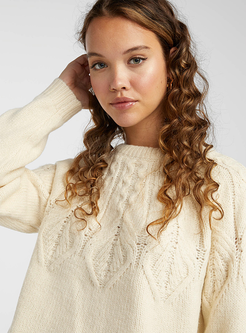 Only Ivory White Delicate twist sweater for women