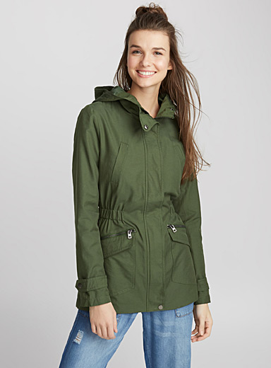 Fitted mega-pocket parka