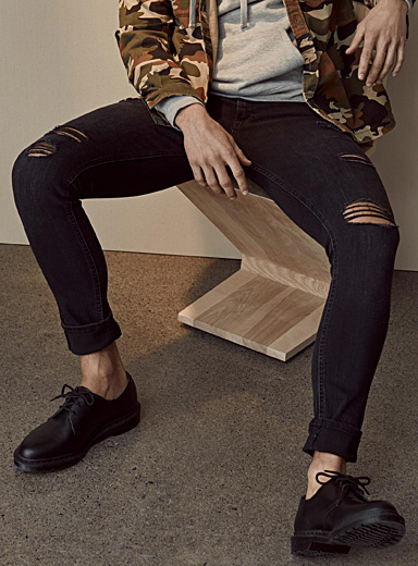 Distressed black jean  Skinny fit