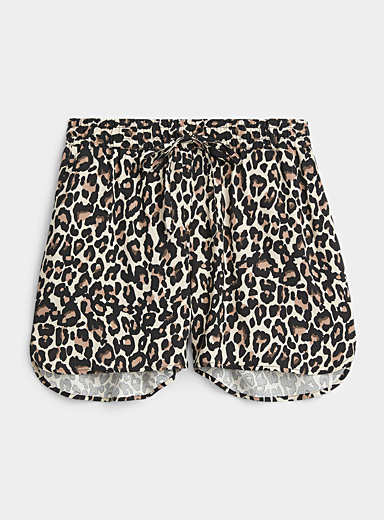Eco-friendly viscose leopard short