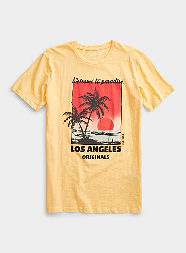 Jack & Jones: Le t-shirt destination plage Jaune or pour homme