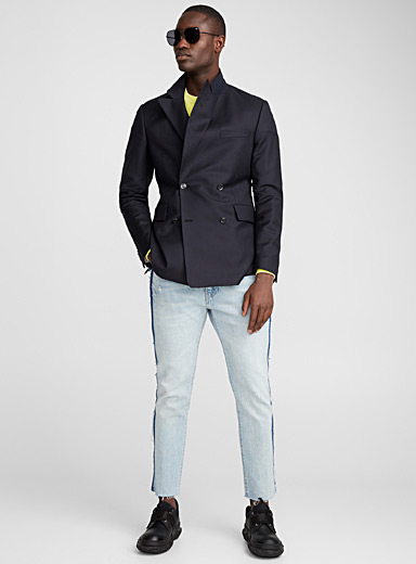 Tone-on-tone herringbone double-breasted blazer <br>Slim fit