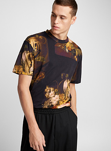 Dark floral bouquet T-shirt