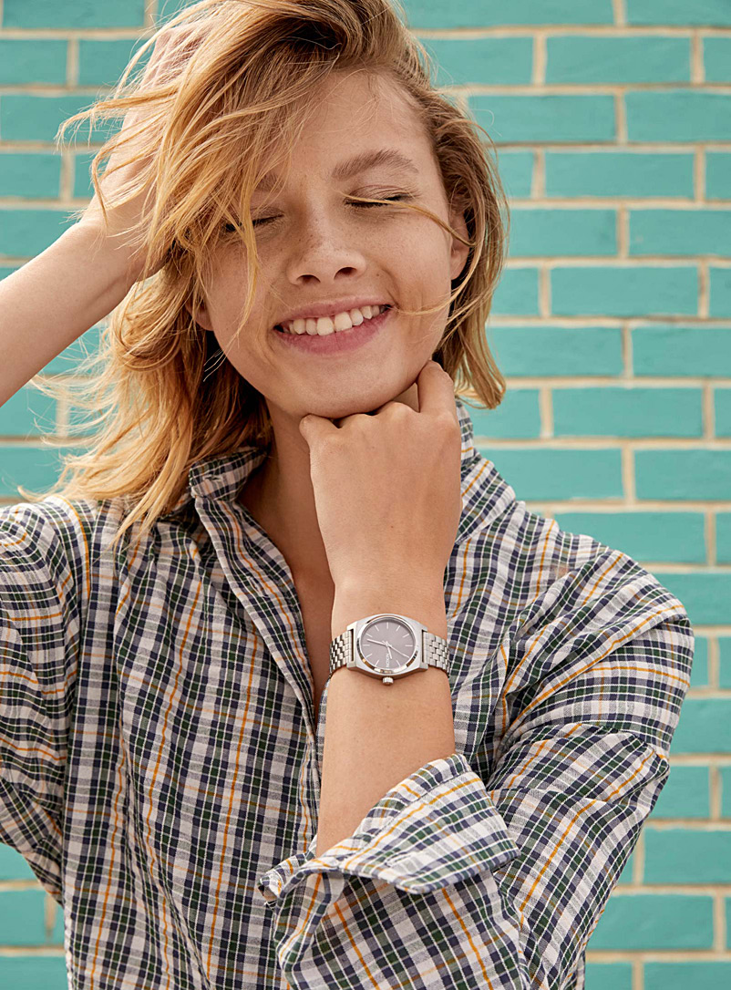 Nixon: La montre Medium Time Teller métallique Assorti pour femme