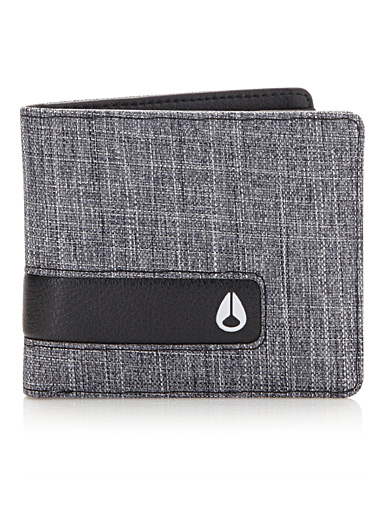 Showdown wallet