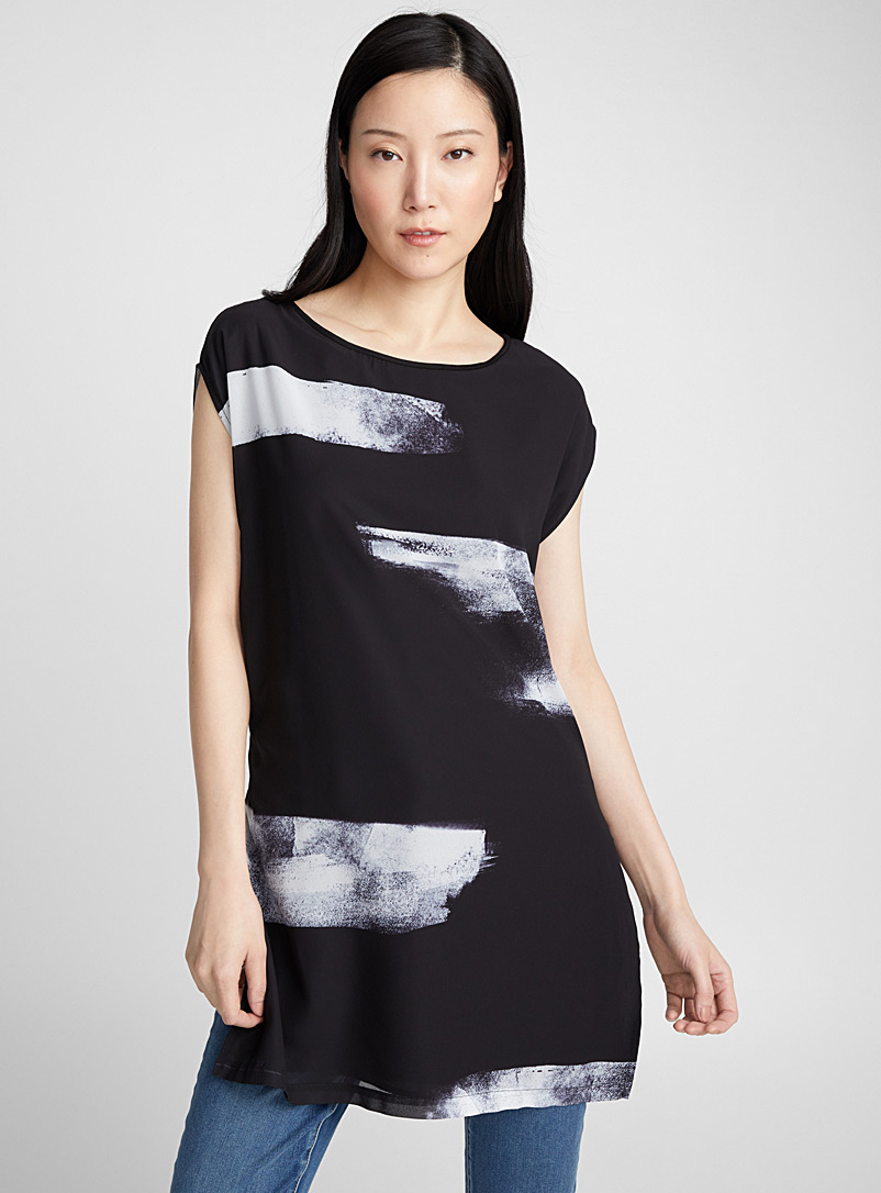 Printed chiffon-front tunic - Short Sleeves & ¾ Sleeves - Patterned Black