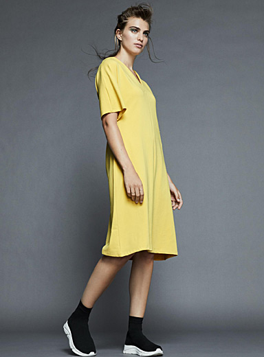 V-neck midi T-shirt dress