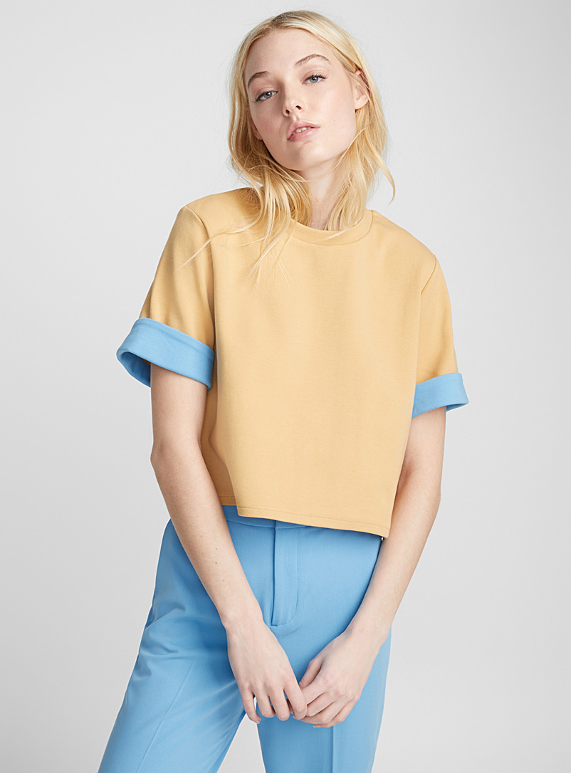 Accent-lined boxy tee - Short Sleeves & ¾ Sleeves - Fawn