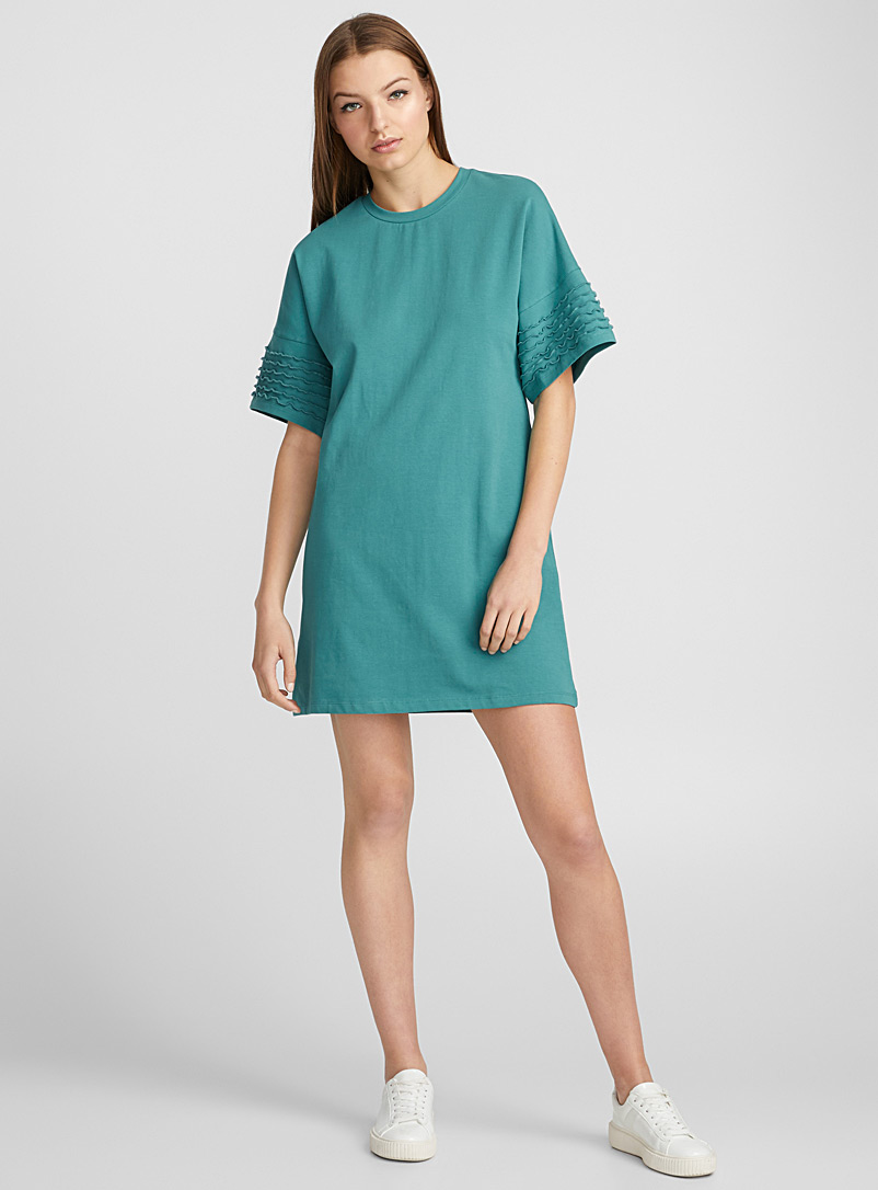 wavy-sleeve-t-shirt-dress