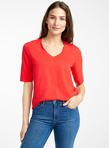 Contemporaine Red V-neck SUPIMA® cotton tee for women