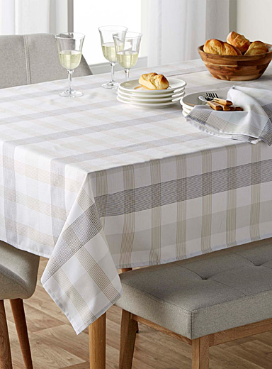 Etched check tablecloth