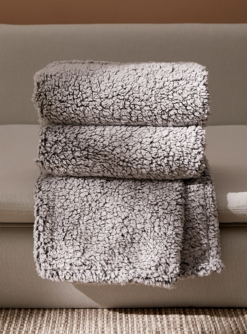 Heathered plush throw  130 x 150 cm - Throws - Grey