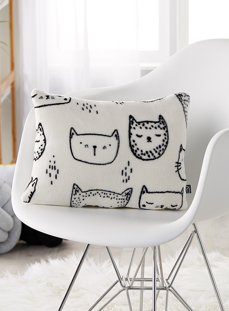 Simons Maison White Purring kittens cushion  30 x 40 cm
