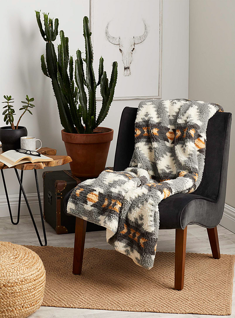 Simons Maison Assorted Alpine plush throw  130 x 160 cm