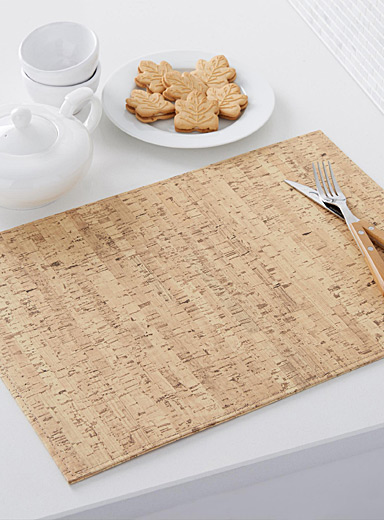 Cork-like place mat