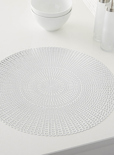 Graphic rosette vinyl place mat