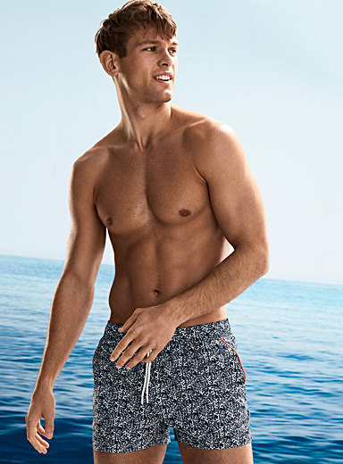 Shiny short swim trunk