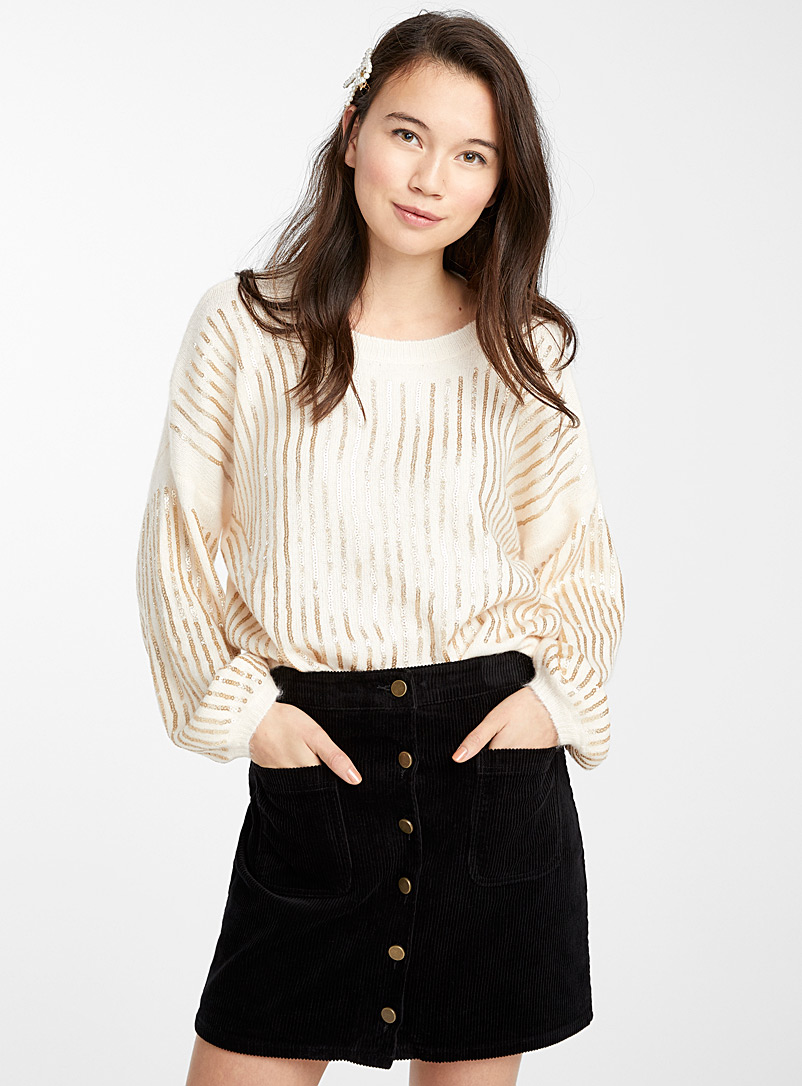 buttoned-corduroy-skirt