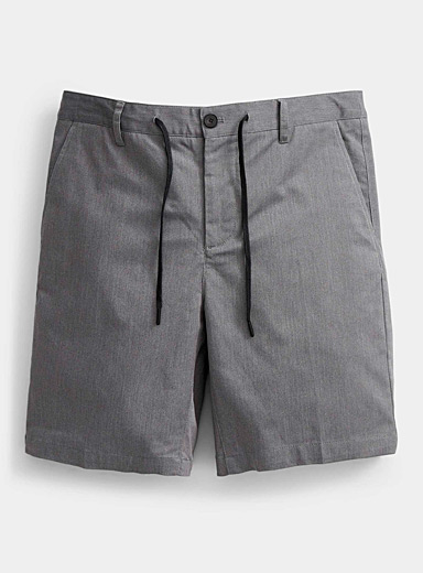 Adjustable-waist ash-grey short