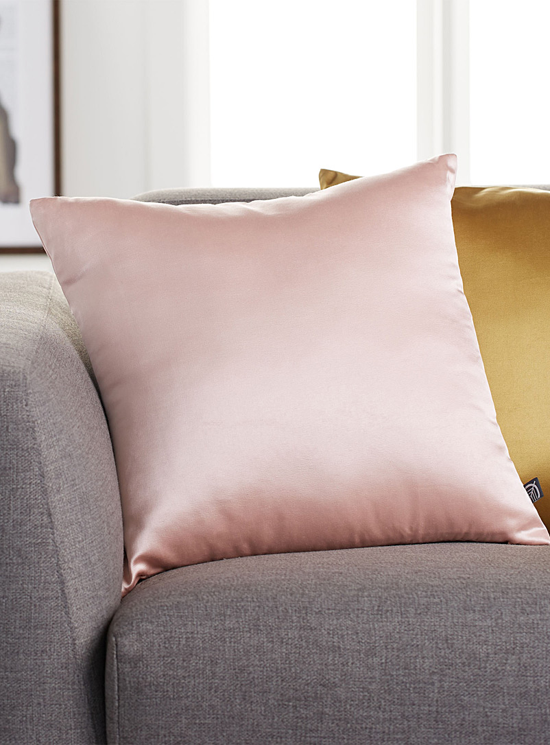 Colourful silky cushion  45 x 45 cm - Solid - Dusky Pink