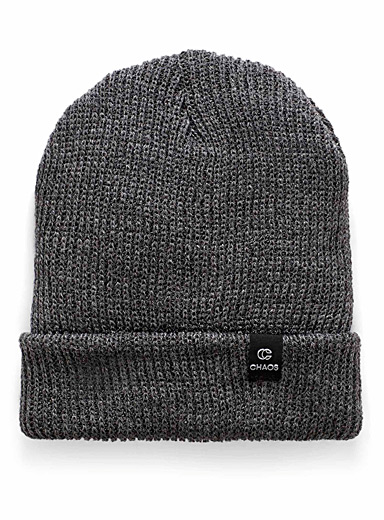 Trouble finely-ribbed tuque