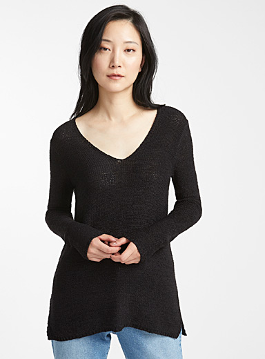 Ribbon-knit V-neck sweater