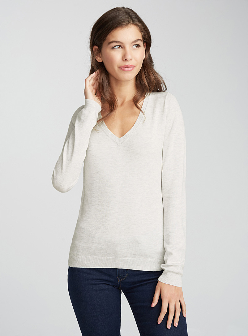 Shiny knit V-neck sweater - Sweaters - White