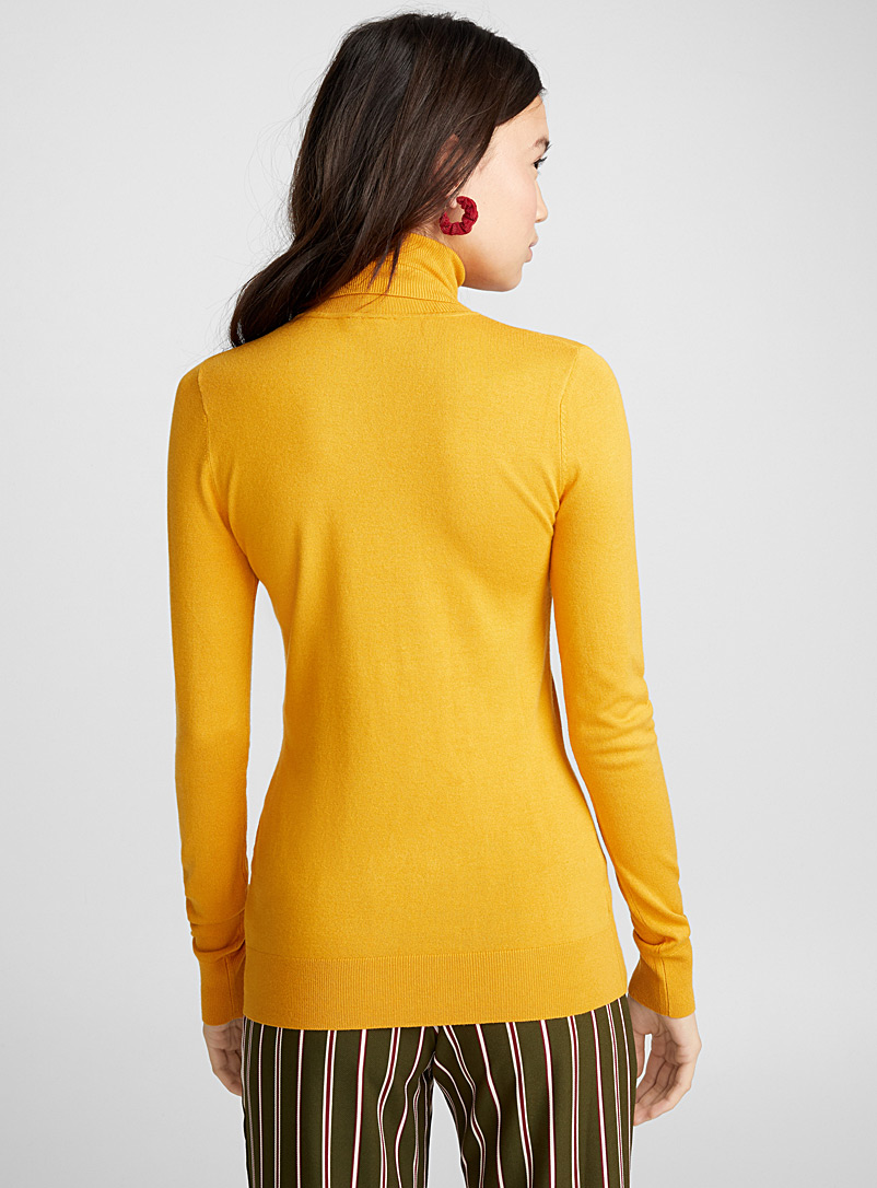 Viscose-knit turtleneck - Sweaters - Golden Yellow