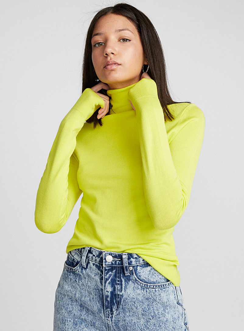 Viscose-knit turtleneck - Sweaters - Light Yellow