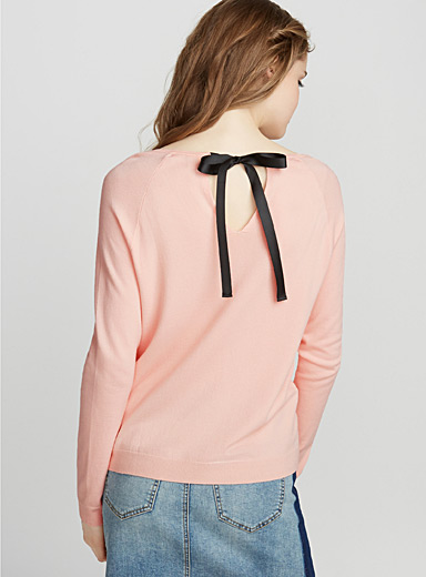 Contrast bow sweater