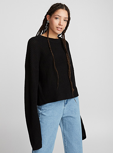 Ribbed balloon-sleeve sweater