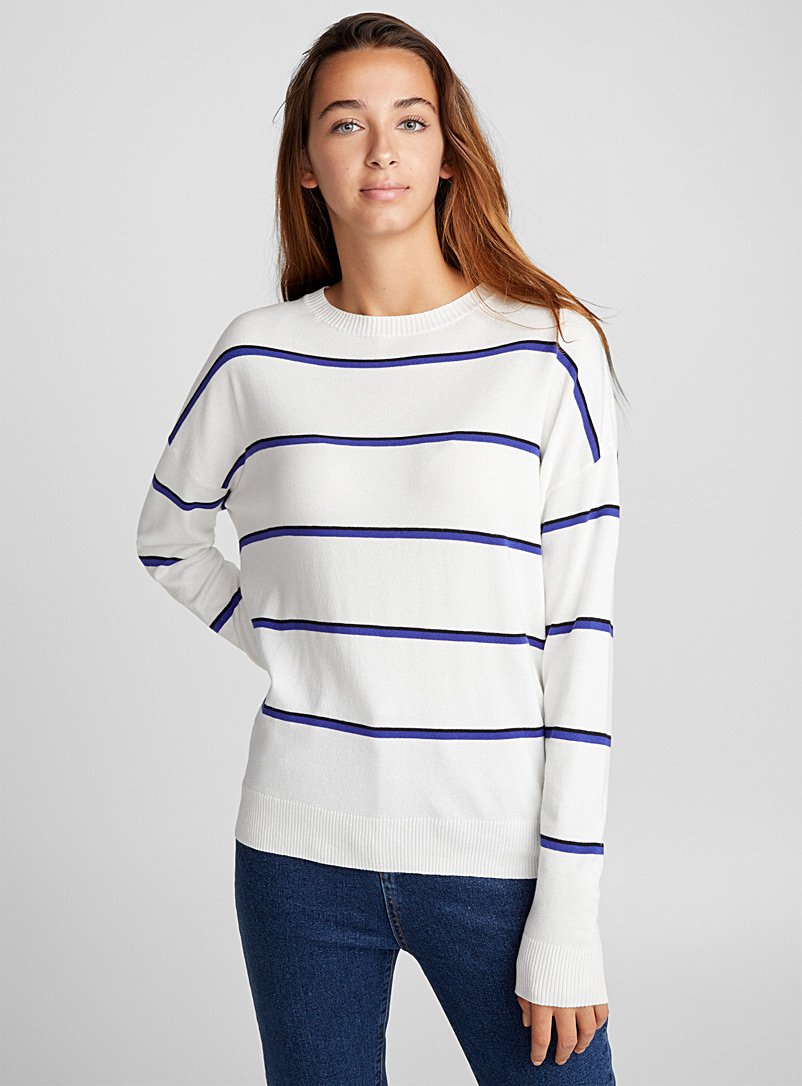 le-pull-fines-rayures-bicolores