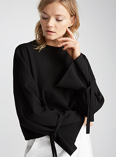 Tie-sleeve oversized sweater